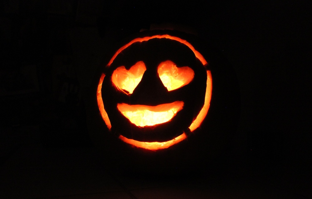 How to carve an unforgettable pumpkin this halloween for Emoji pumpkin carving templates