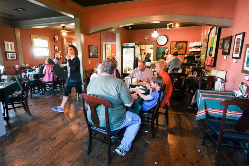 There are plenty of dining rooms inside the café to cater to the crowds.