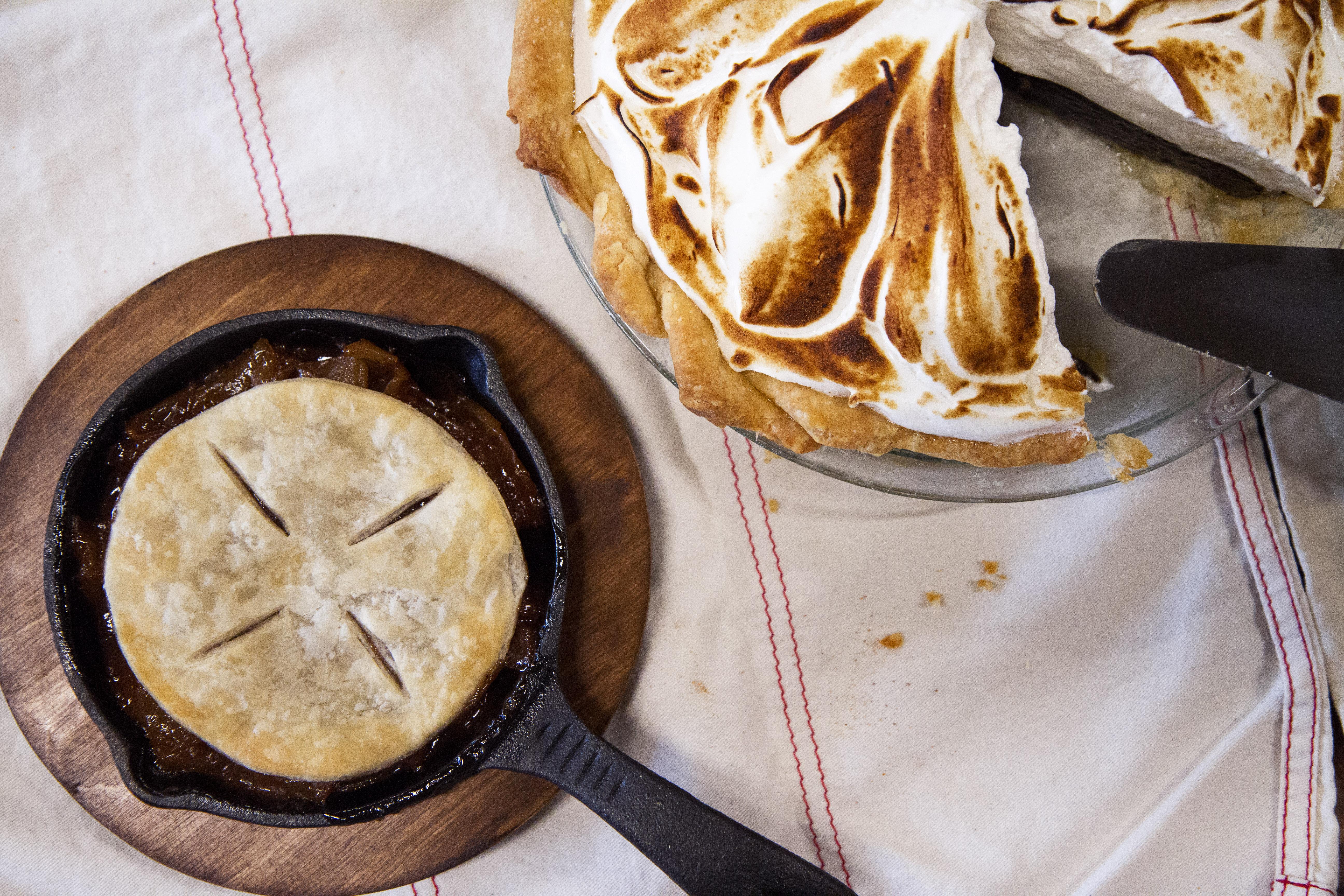 Apple pie skillet and root beer float pie by Elsieu0027s Plate u0026 Pie & Sneak Peek: Elsieu0027s Plate u0026 Pie settles on menu early fall opening