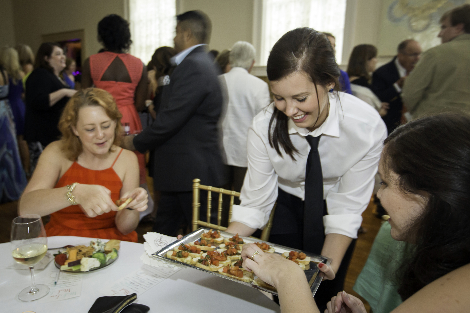 catering server a day in the life of a baton rouge caterer baton ...